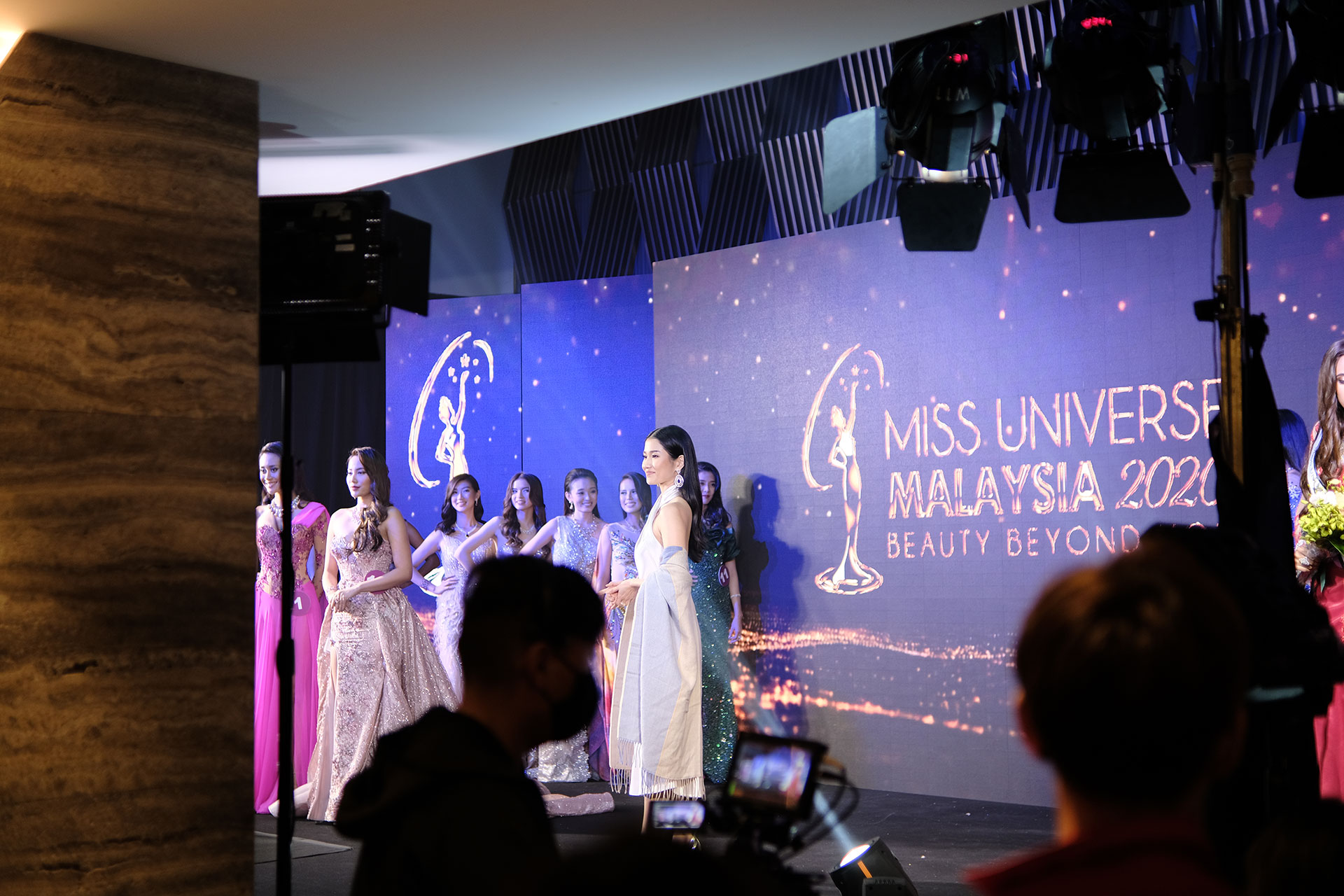 Frost Yaw Presenting Awards To The Winners at Miss Universe Malaysia 2020